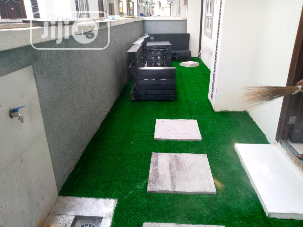 Synthetic Grass for Design and Decoration