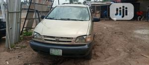 Toyota Sienna 1999 Gold   Cars for sale in Lagos State, Abule Egba