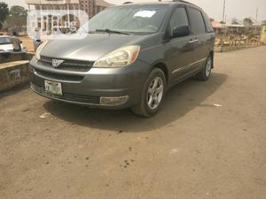 Toyota Sienna 2004 Gray   Cars for sale in Abuja (FCT) State, Lugbe District