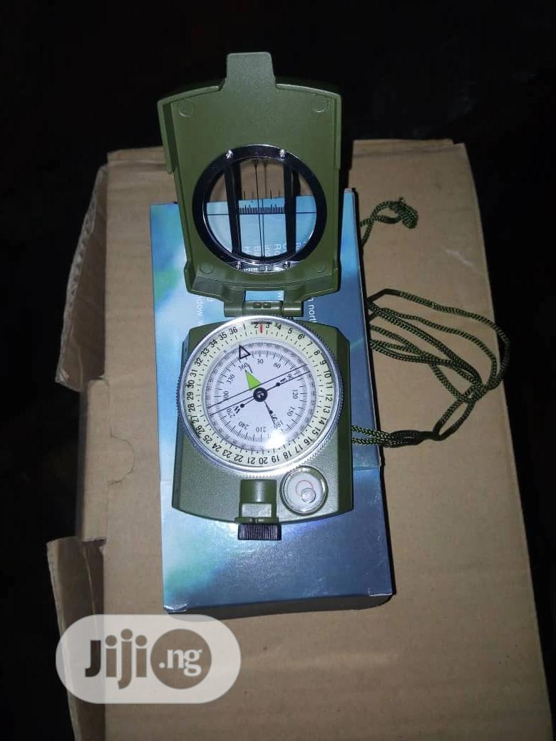 Measuring Compass