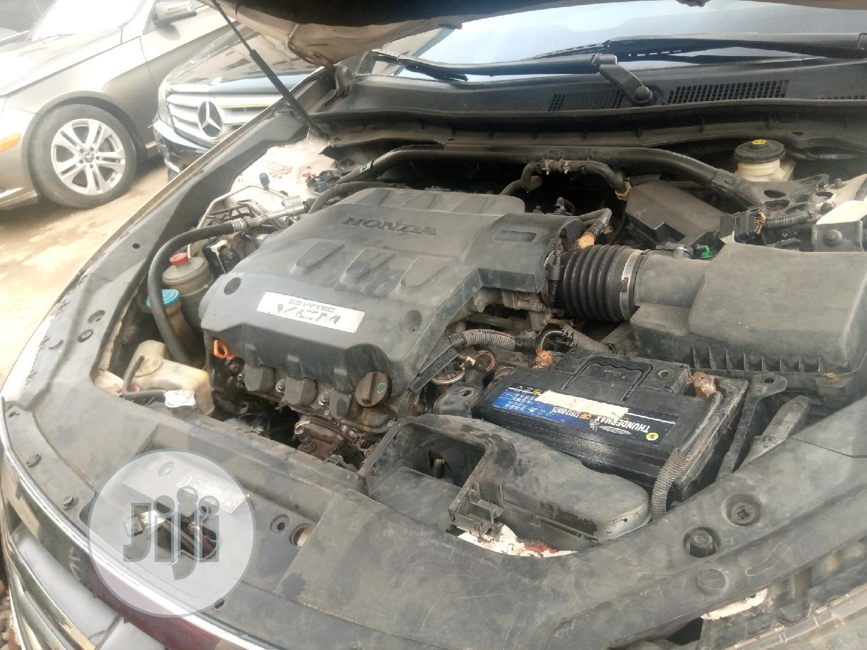 Archive: Honda Accord CrossTour 2010 White