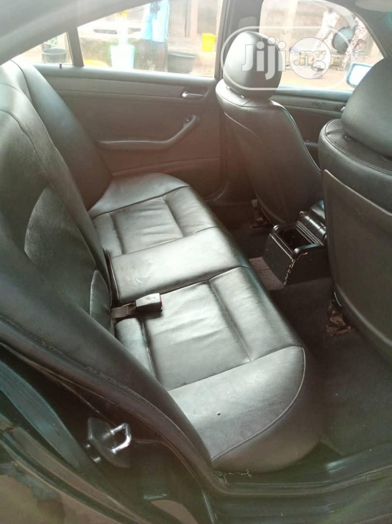 Archive: BMW 318i 2004 Black