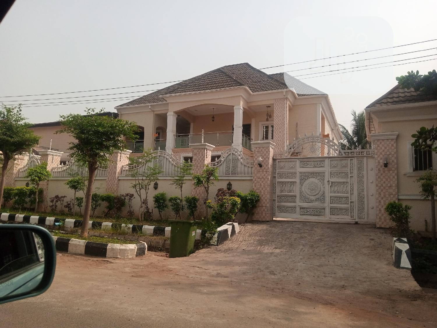 5bed Room Semi Detached Duplex of Alone in the Compound.