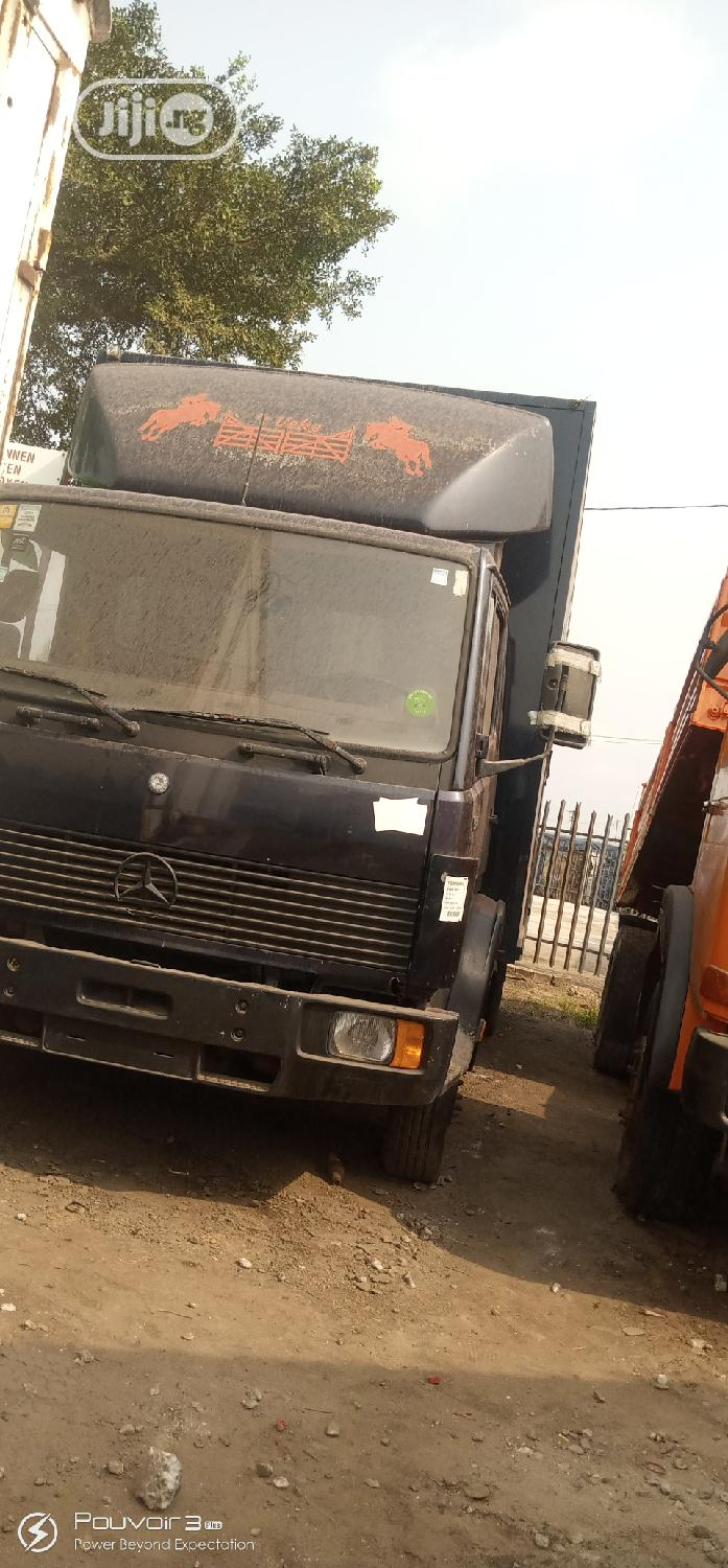 914 Benz Container Body