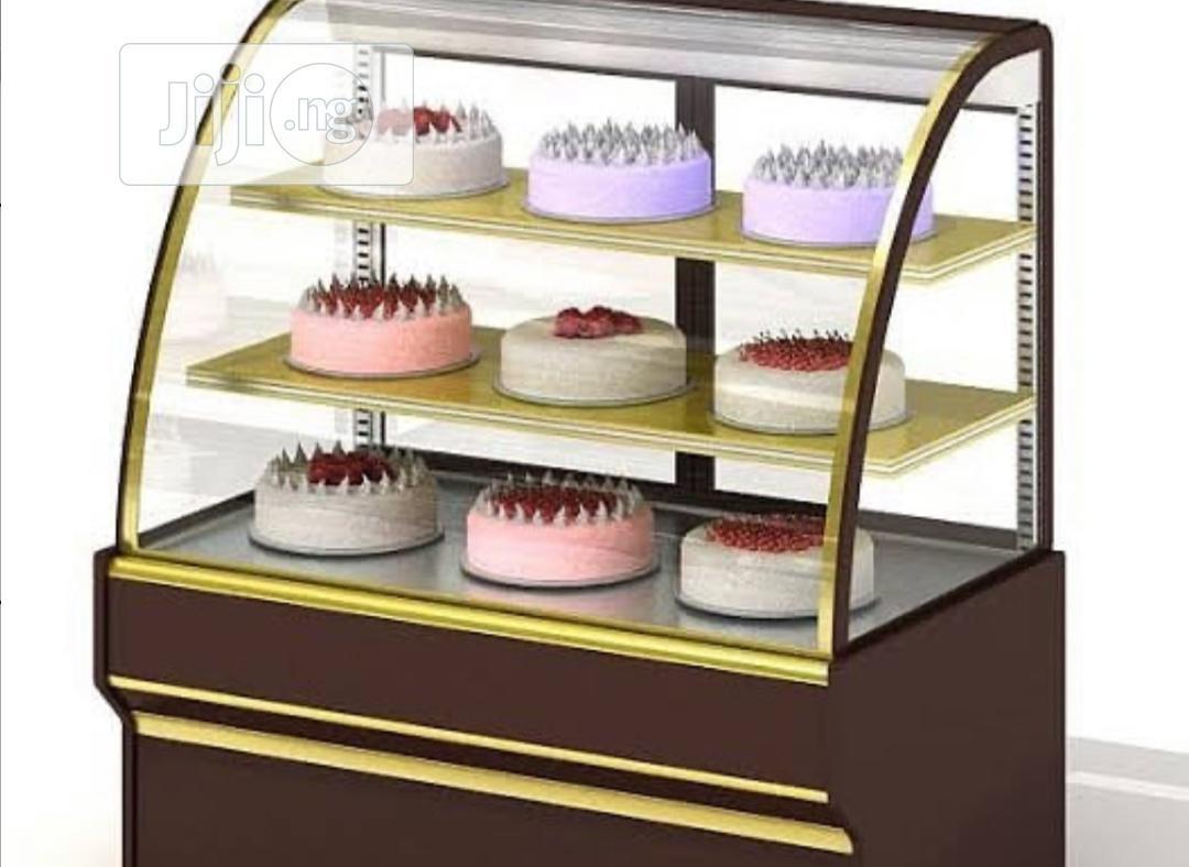 3 Step Cake Display Showcase
