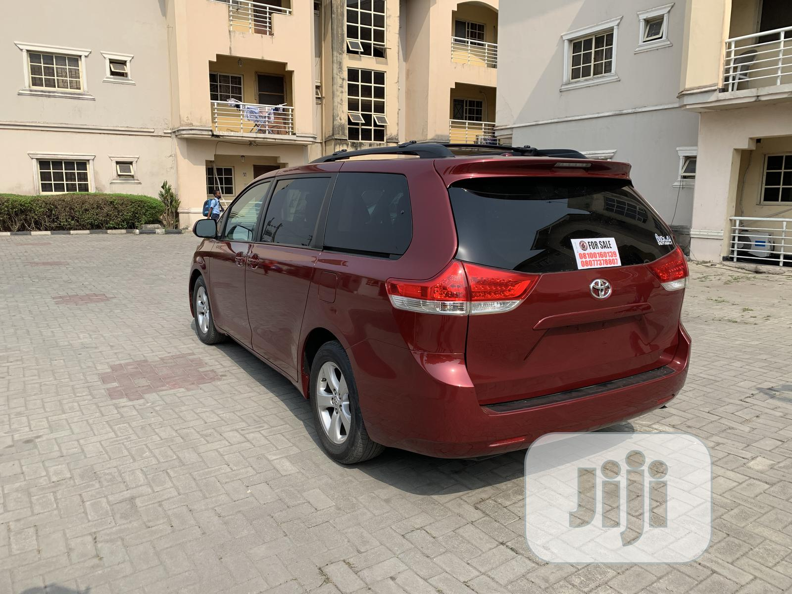 Archive: Toyota Sienna 2013 LE FWD 8-Passenger Red