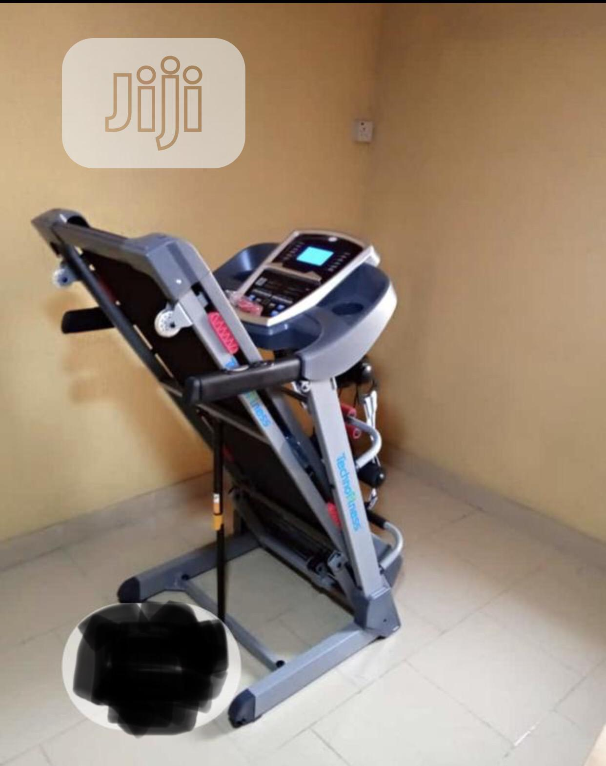 Archive: 2.5hp Treadmill With Massager and Auto Incline