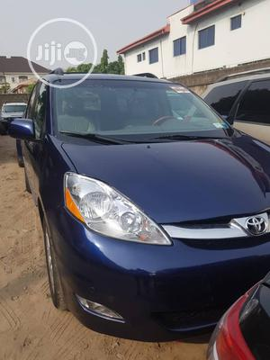 Toyota Sienna 2007 XLE 4WD Blue | Cars for sale in Lagos State, Amuwo-Odofin