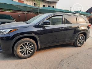 Toyota Highlander 2017 XLE 4x4 V6 (3.5L 6cyl 8A) Black   Cars for sale in Lagos State, Amuwo-Odofin