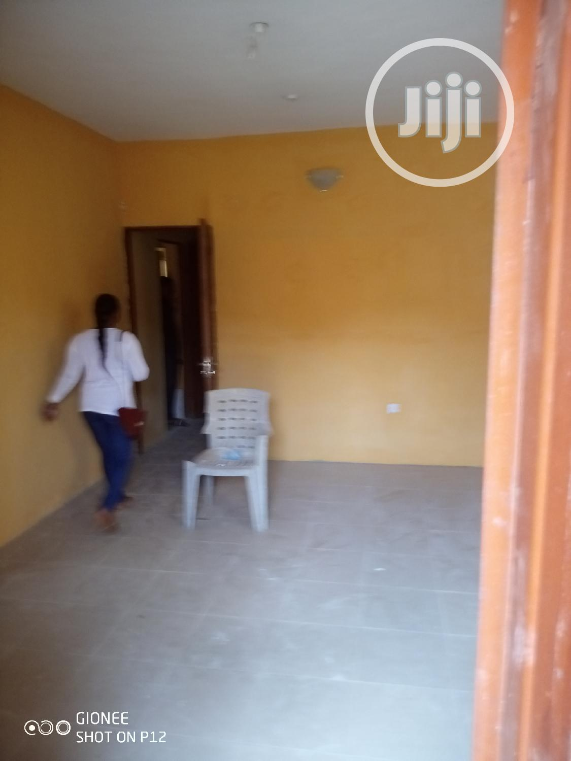 Archive: Letting! Decent 2b/R Flat With 2t/2b