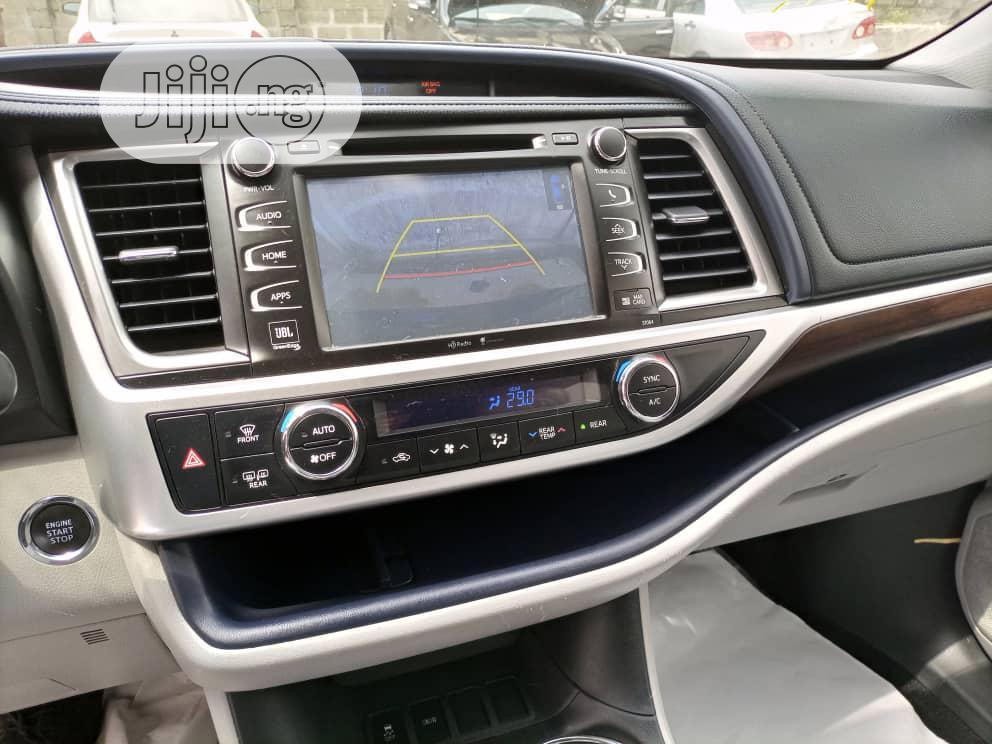 Archive: Toyota Highlander 2015 Blue