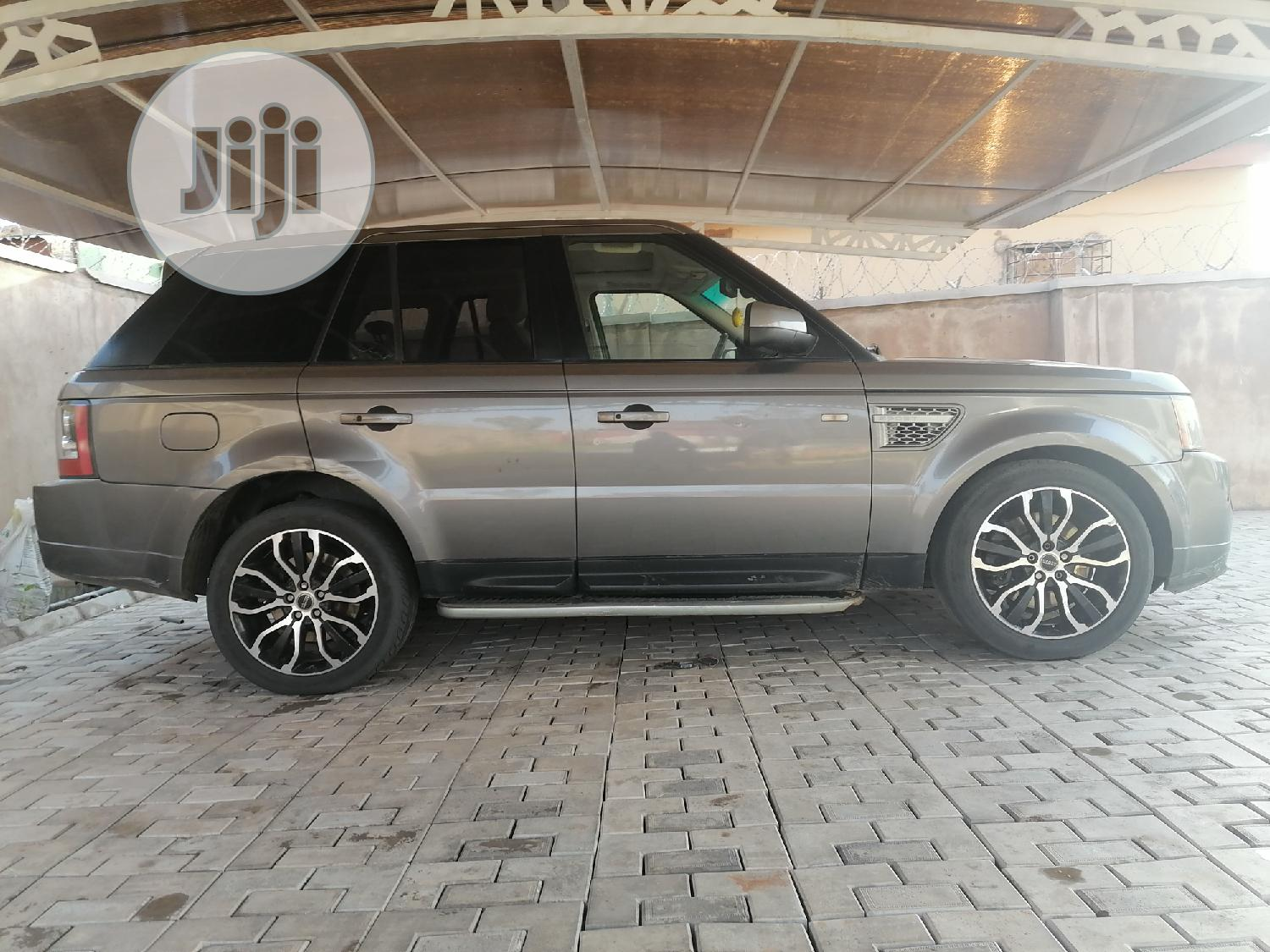 Archive: Land Rover Range Rover Sport 2012 Gray