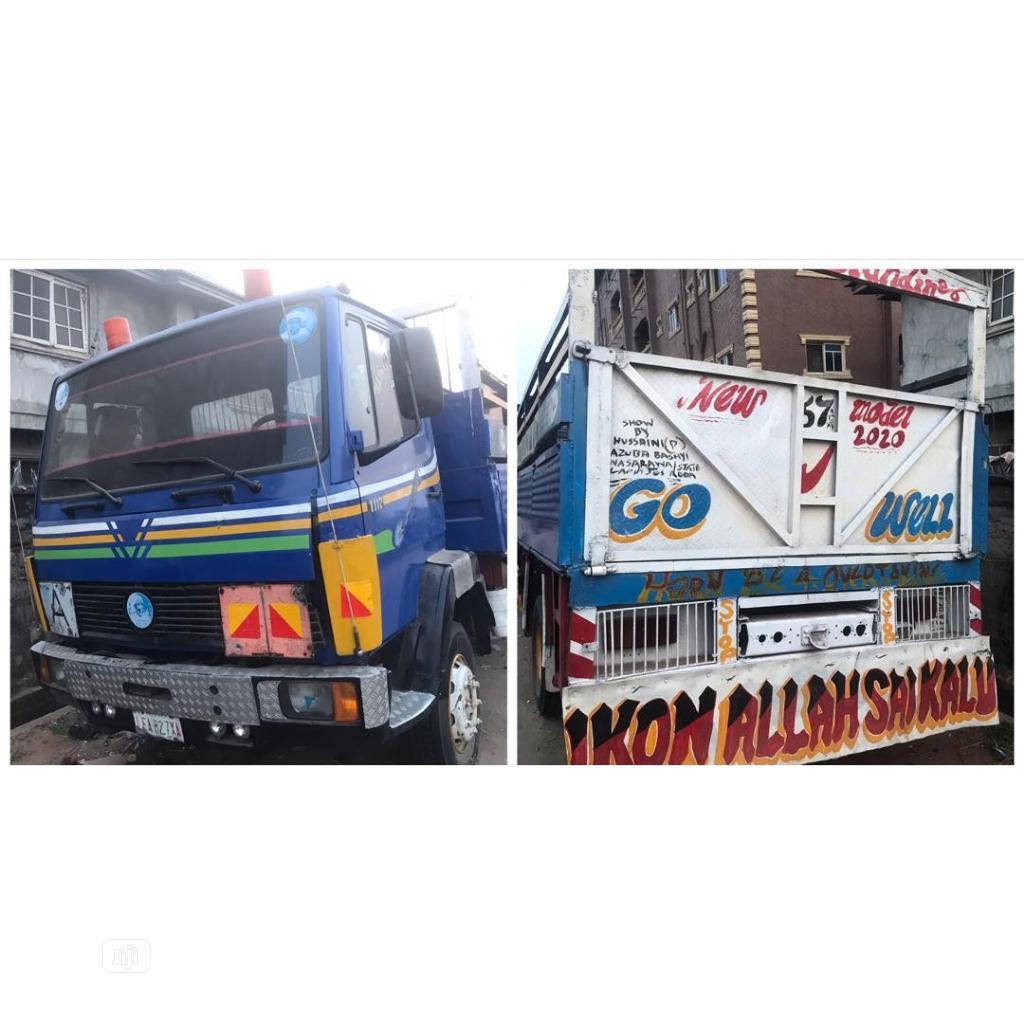 Mercedes Parkers Truck