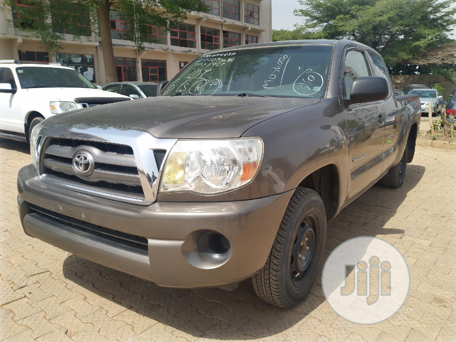 Archive: Toyota Tacoma 2010 PreRunner Access Cab Gray