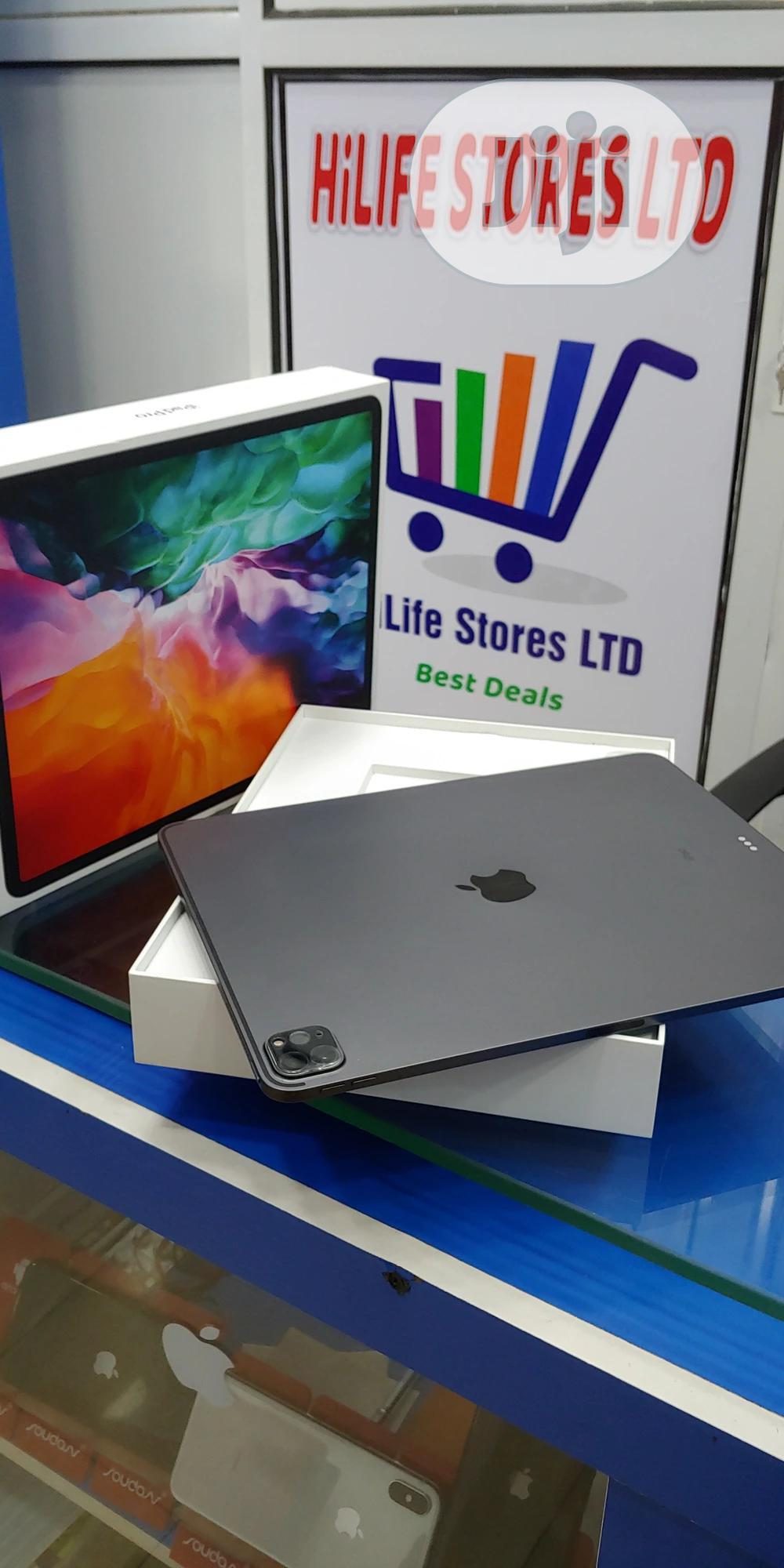 Apple iPad Pro 12.9 (2020) 128 GB Gray