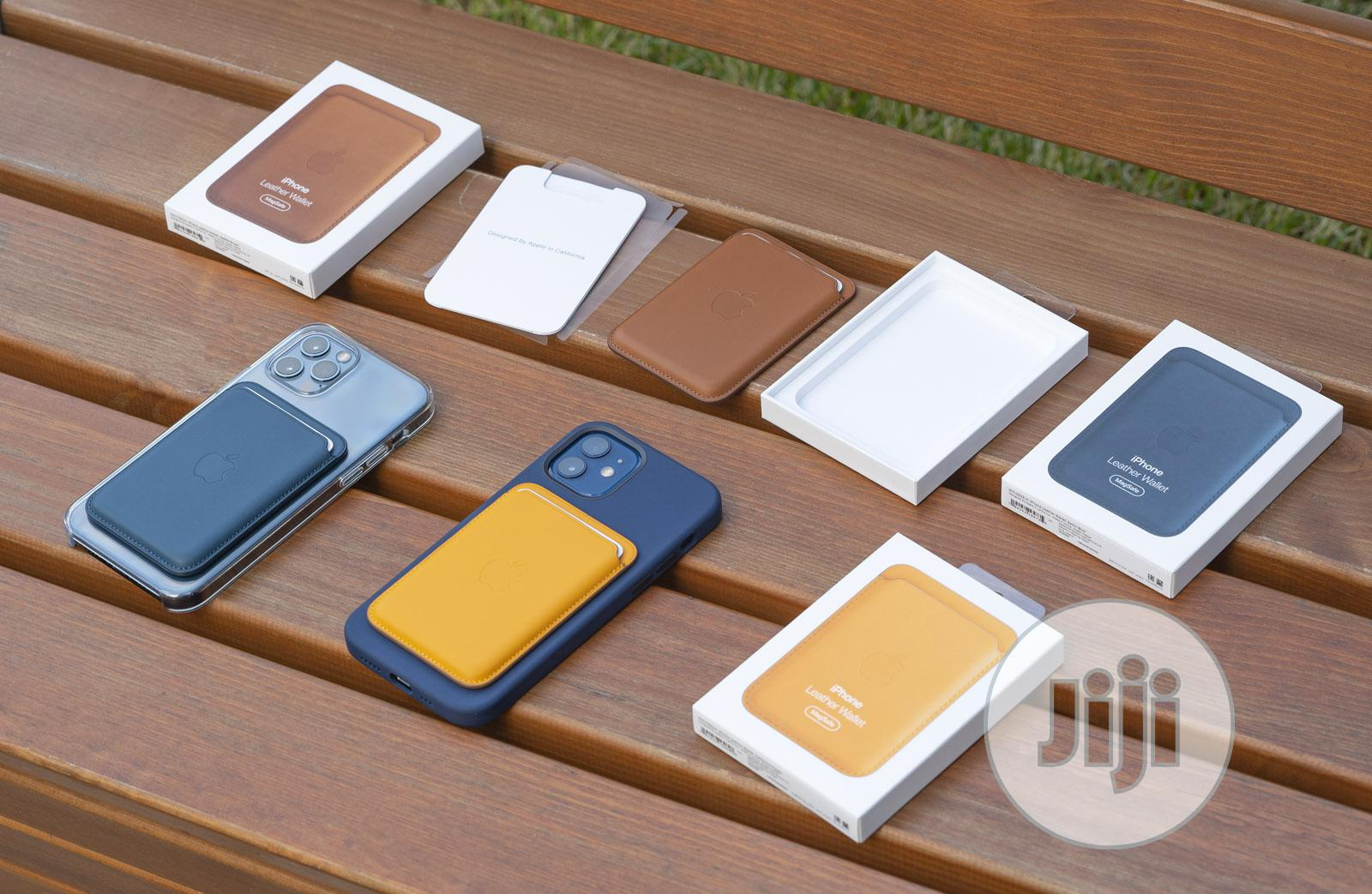 Leather Wallet With Magsafe for iPhone 12 Series