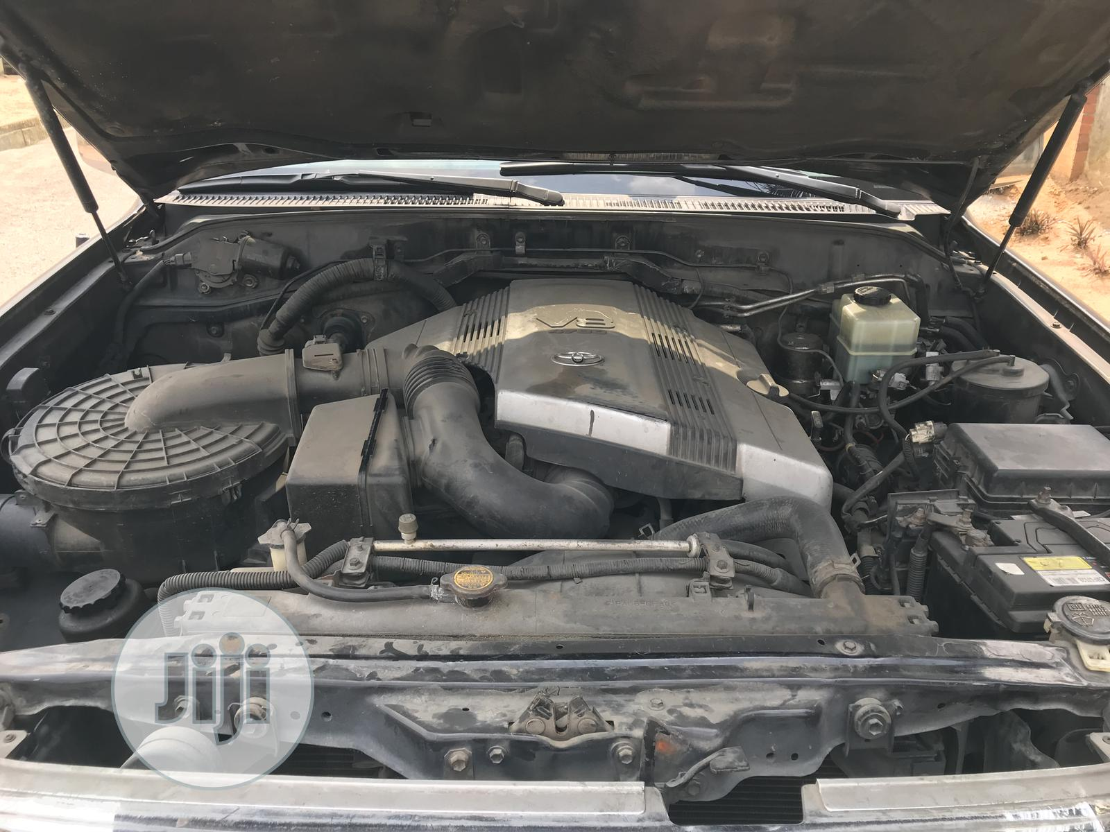 Archive: Toyota Land Cruiser 2007 Black
