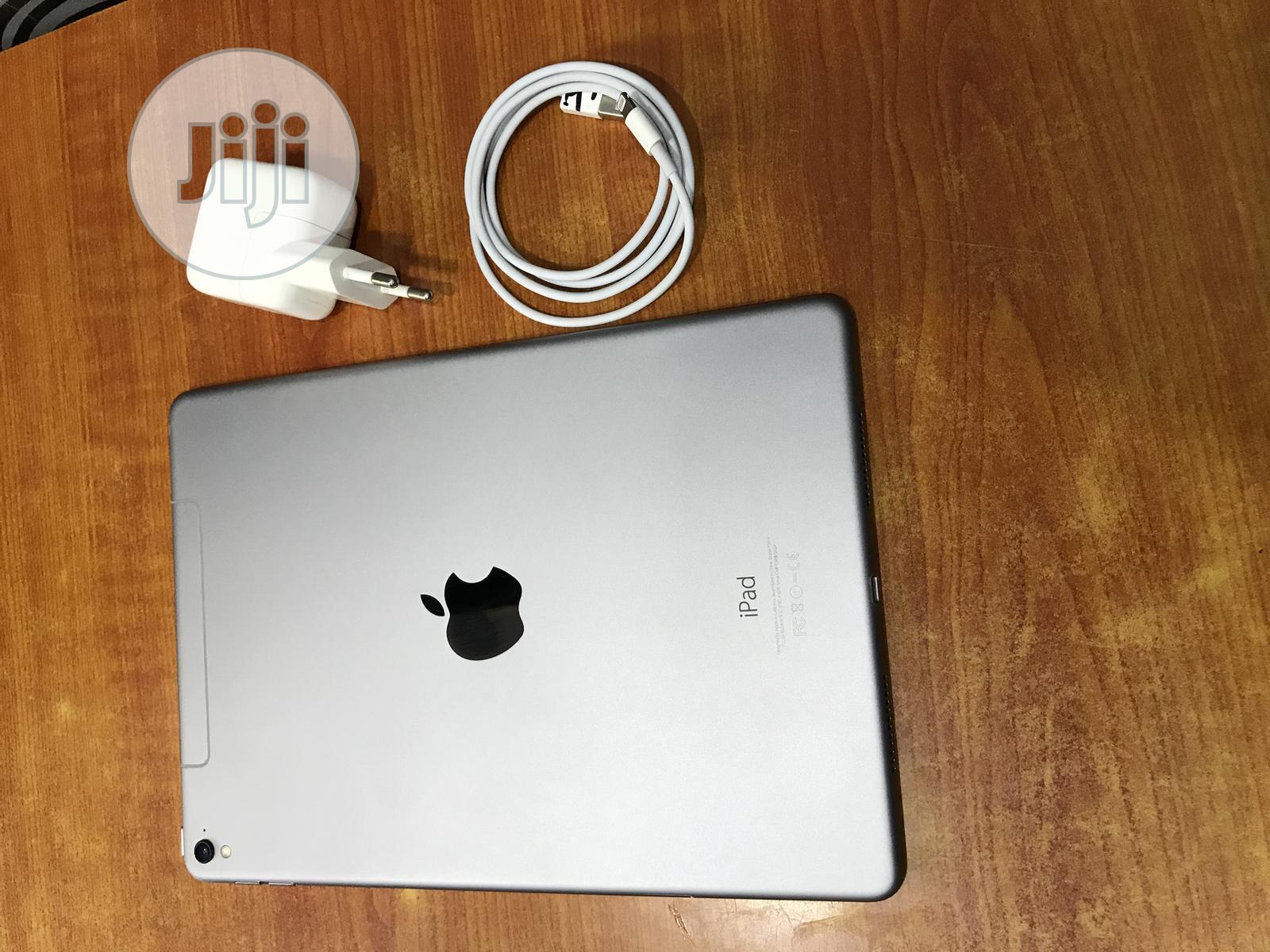 Apple iPad Pro 9.7 (2016) 128 GB Gray   Tablets for sale in Ikeja, Lagos State, Nigeria