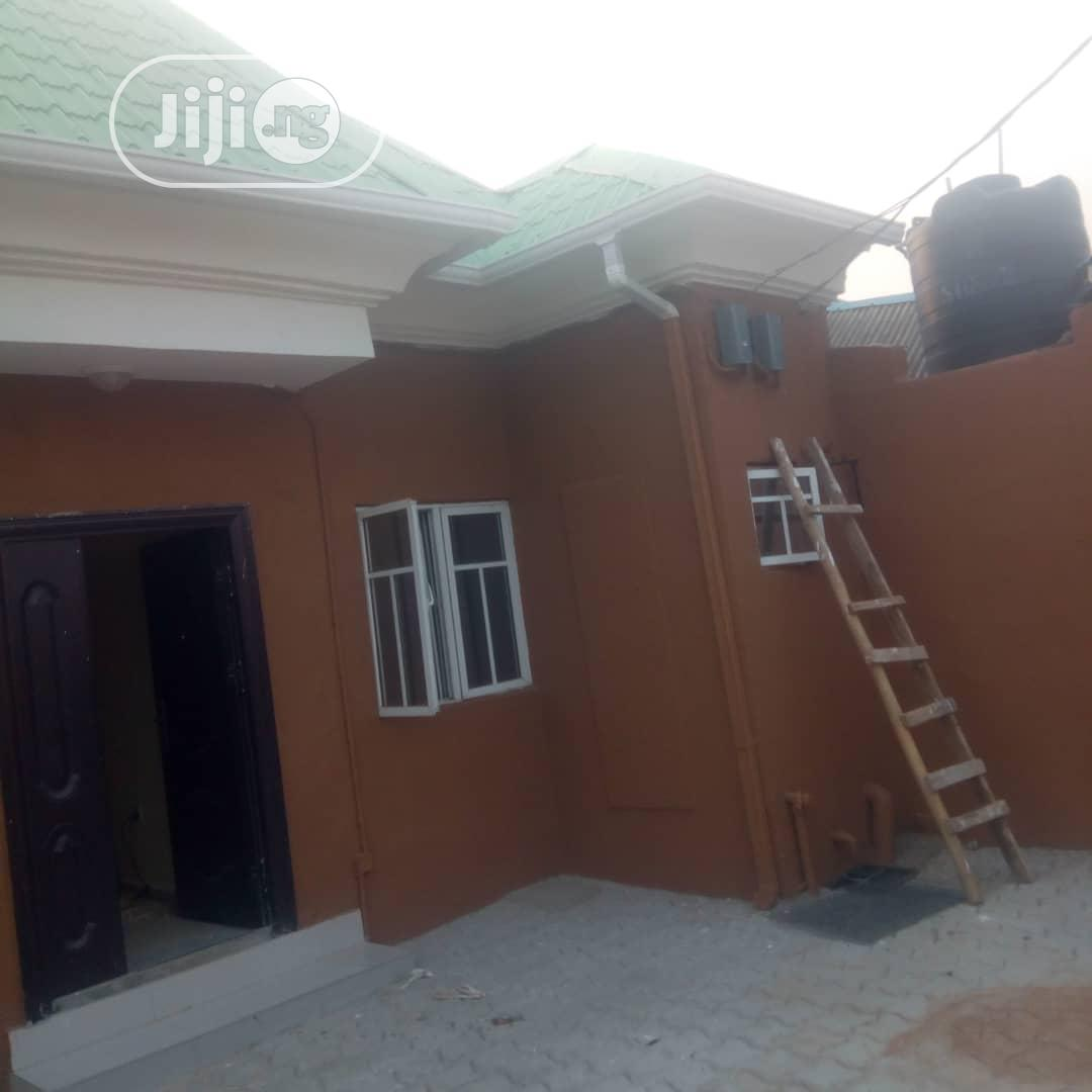 Lovely 2bedroom Flat in a Serene Estate | Houses & Apartments For Rent for sale in Alimosho, Lagos State, Nigeria