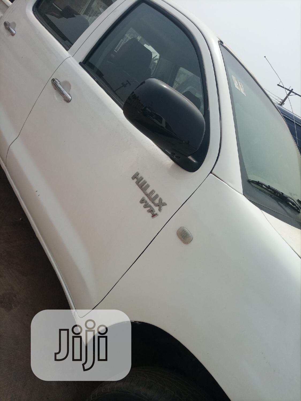 Archive: Toyota Hilux 2007 2.0 VVT-i SRX White