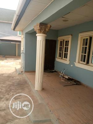 Clean 4bedroom Bungalow at Agunfoye Beside Fashola Estate   Houses & Apartments For Sale for sale in Lagos State, Ikorodu