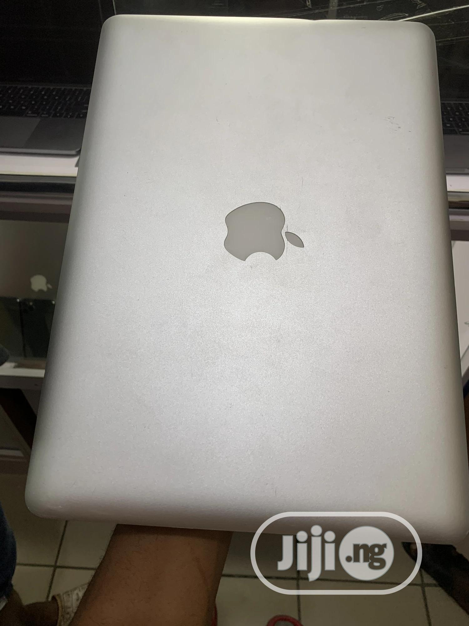 Laptop Apple MacBook 2011 4GB Intel Core I5 HDD 320GB | Laptops & Computers for sale in Wuse 2, Abuja (FCT) State, Nigeria