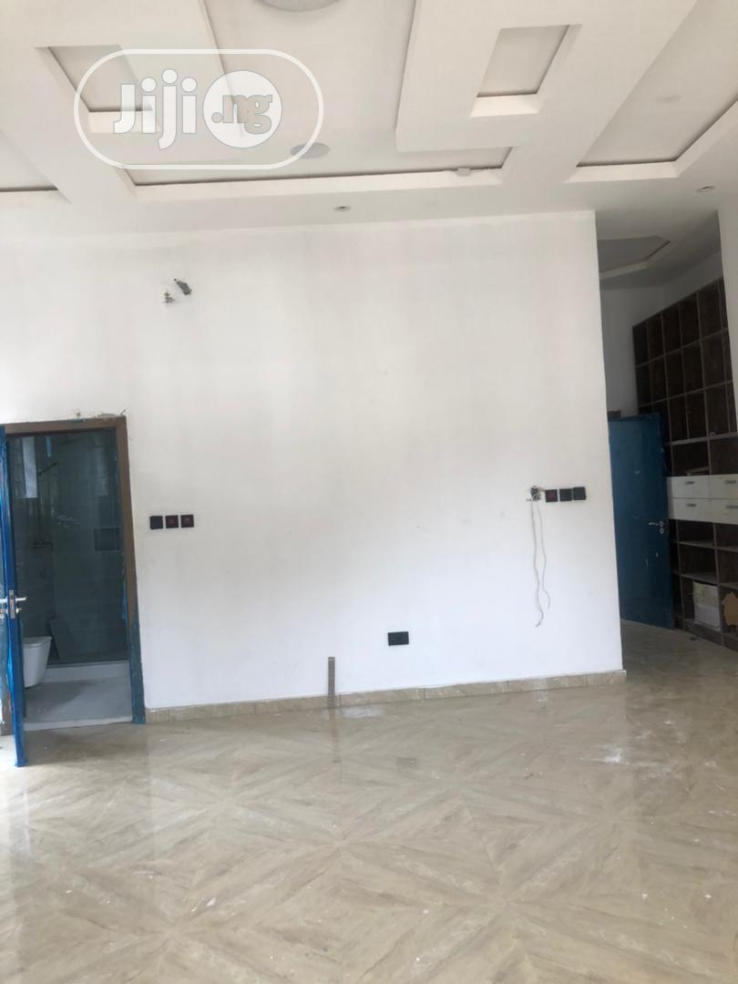 Clean 5bedroom Fully Detached Duplex With Bq | Houses & Apartments For Sale for sale in Chevron, Lekki, Nigeria