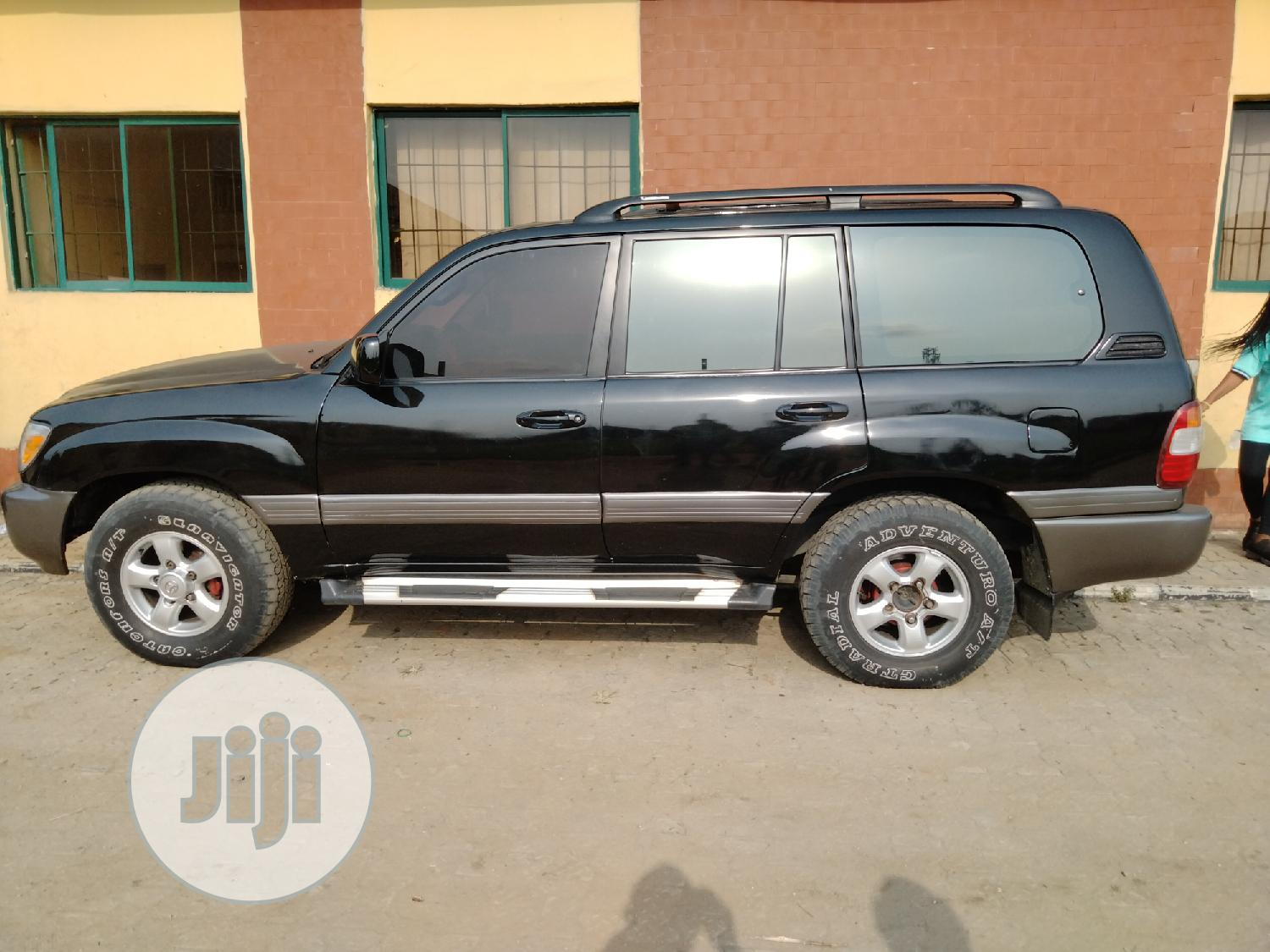 Archive: Toyota Land Cruiser 2002 Black