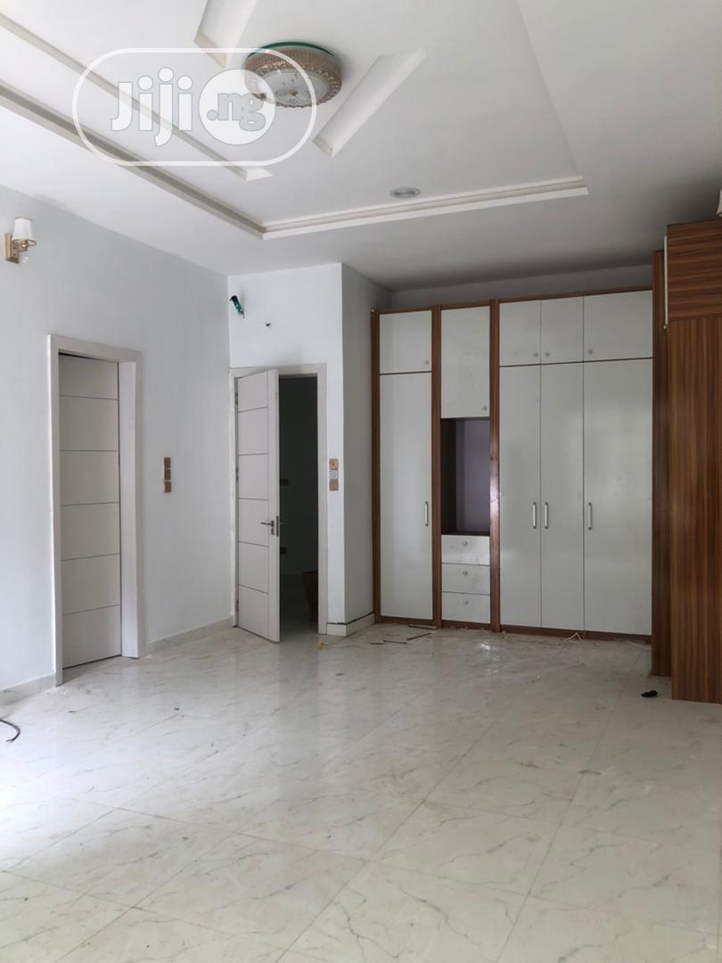 Clean Spacious 5bedroom Fully Detached Duplex With Bq | Houses & Apartments For Sale for sale in Chevron, Lekki, Nigeria