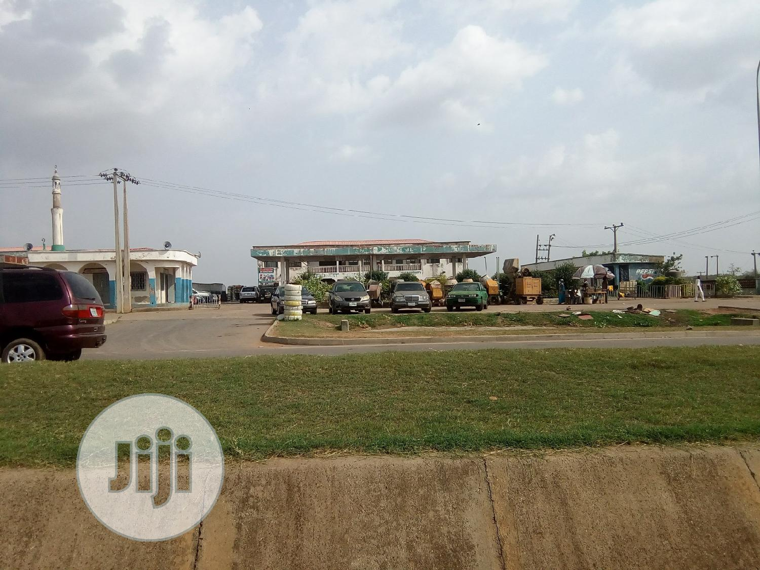 Archive: Filling Station for Sale at Kubwa Express