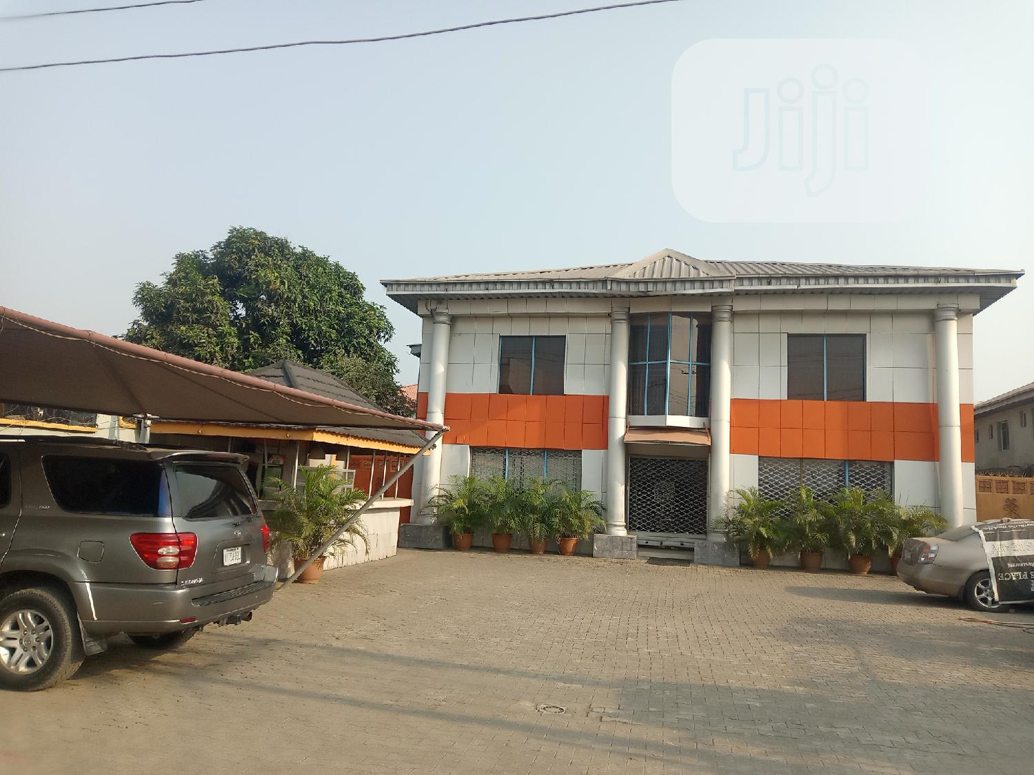 A Building for Lease at Addo Road Good for Cooperate Body