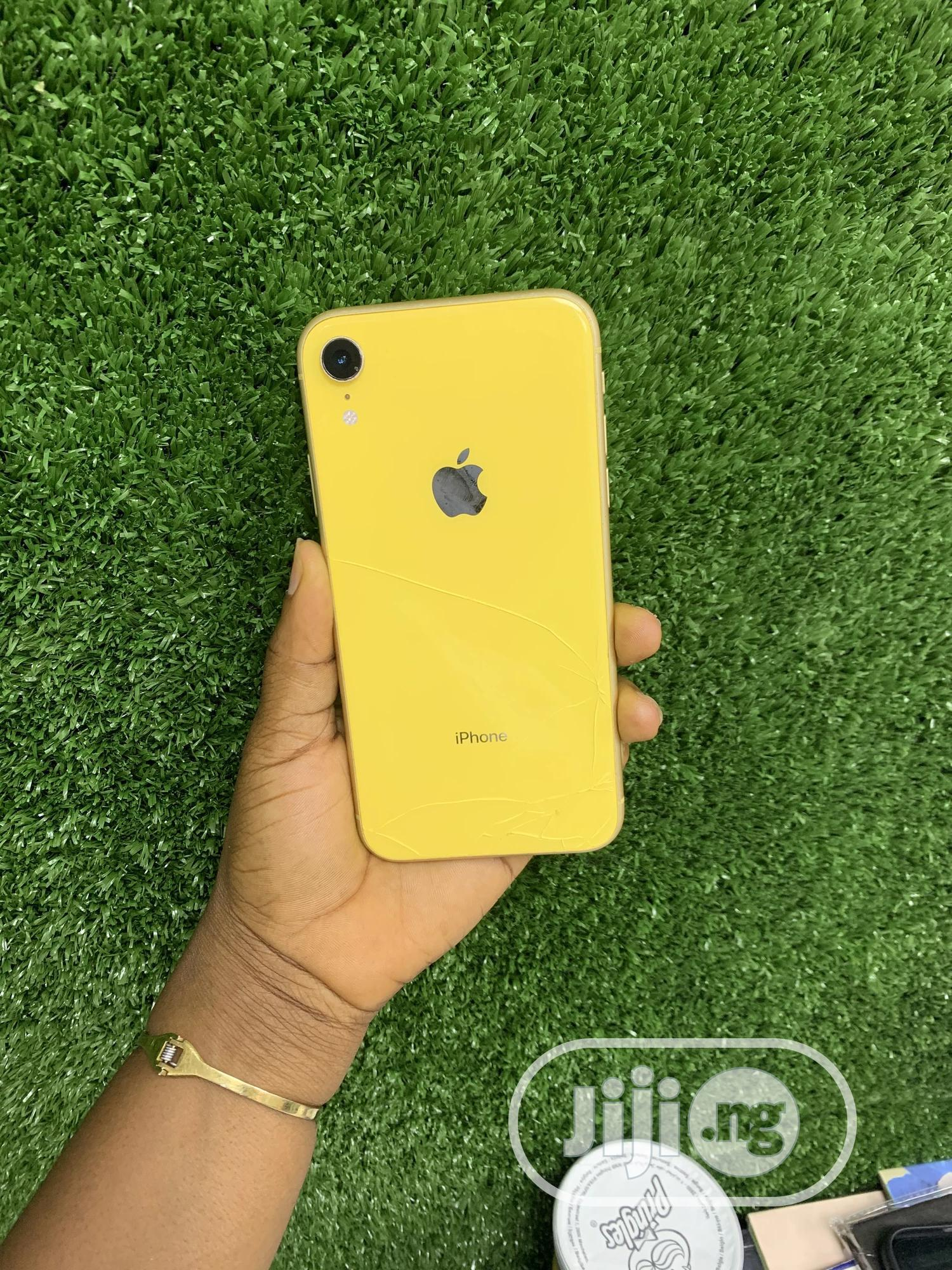 Apple iPhone XR 64 GB Yellow | Mobile Phones for sale in Ikeja, Lagos State, Nigeria