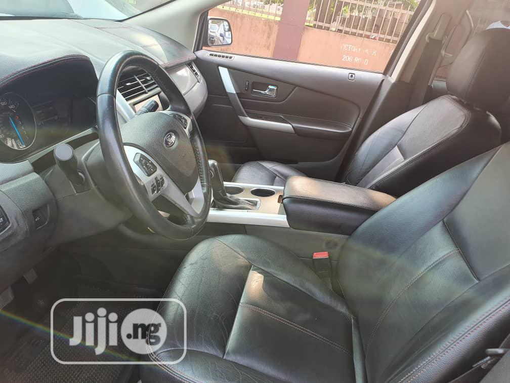 Archive: Ford Edge 2014 Gold