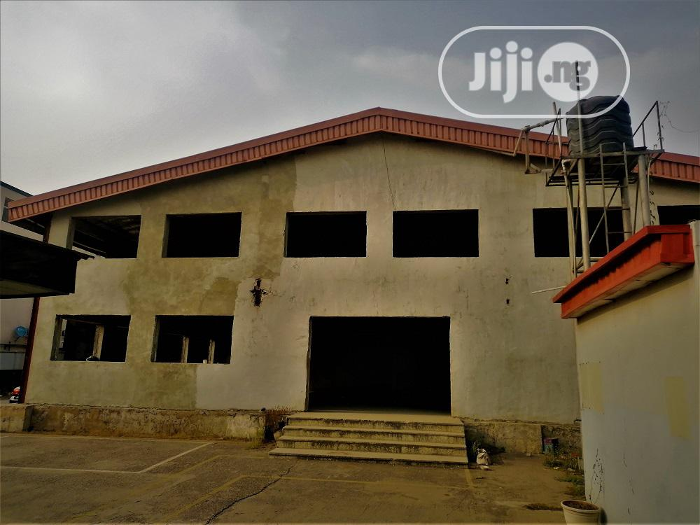 Warehouse Capacity of 14,000 Sqft With Office