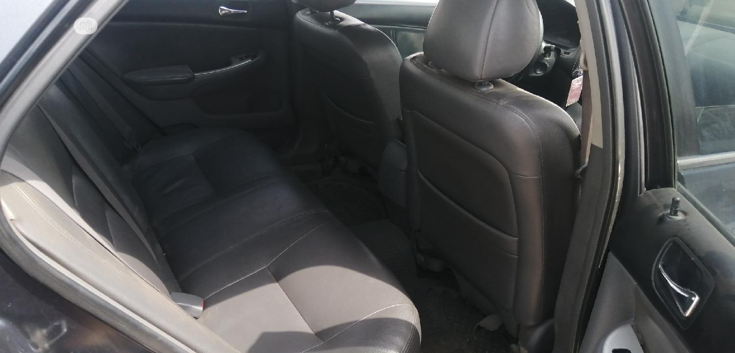 Archive: Honda Accord 2005 Automatic Gray