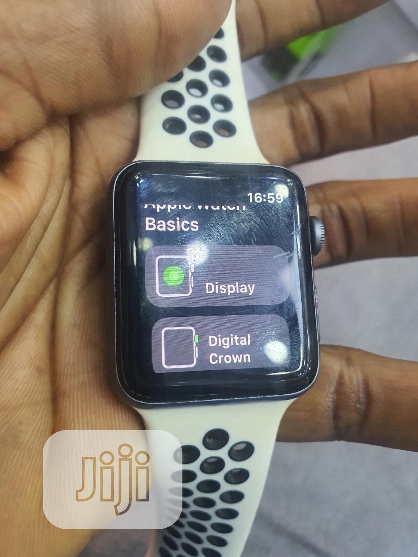 Apple Watch Series 3 42mm Grey