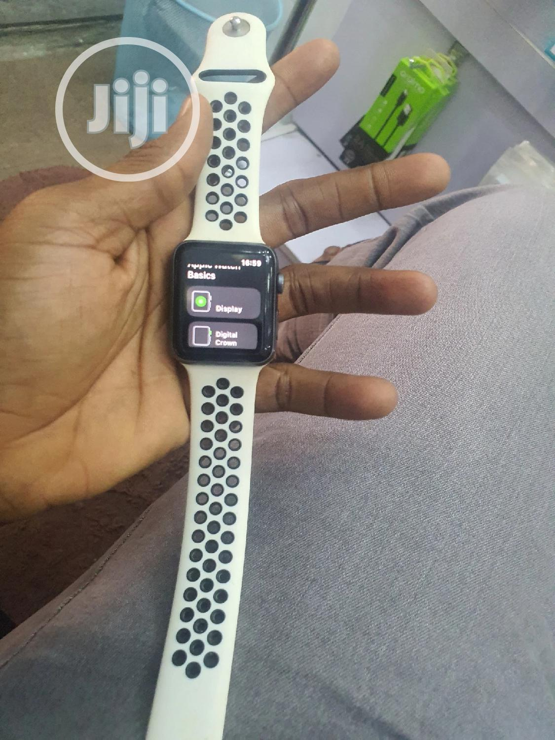 Apple Watch Series 3 42mm Grey | Smart Watches & Trackers for sale in Wuse 2, Abuja (FCT) State, Nigeria