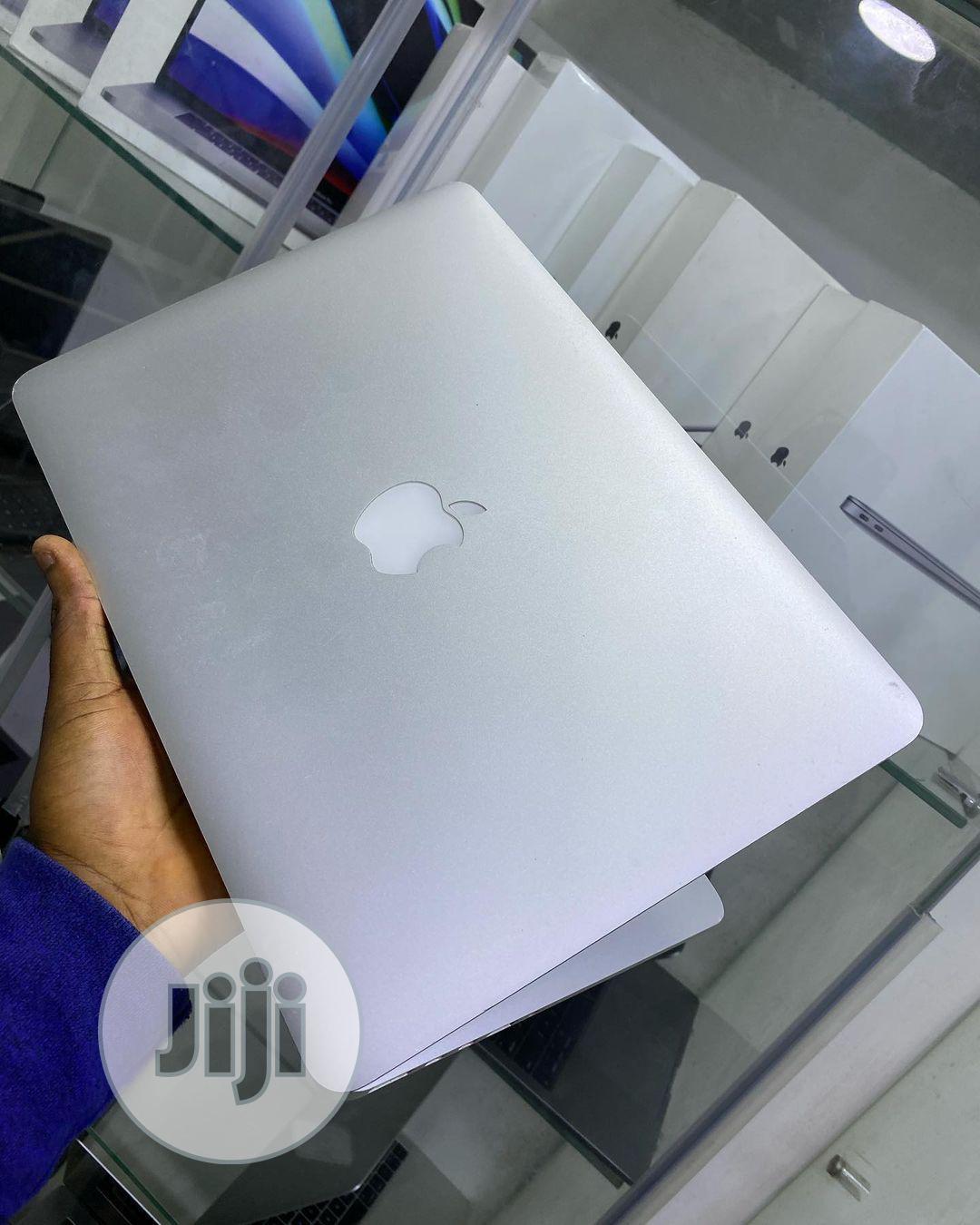 Laptop Apple MacBook Pro 2015 8GB Intel Core I5 SSD 256GB