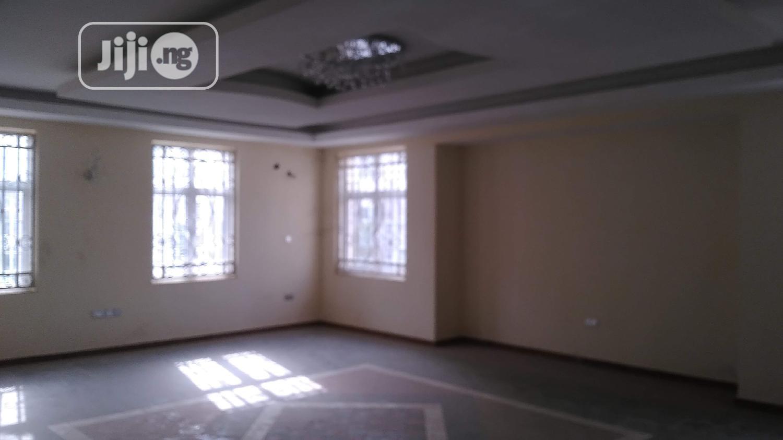 Archive: Beautiful New 5 Bedroom Duplex With BQ