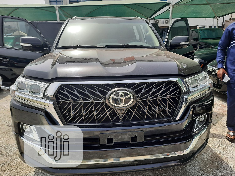Toyota Land Cruiser 2019 5.7 V8 VXR Black