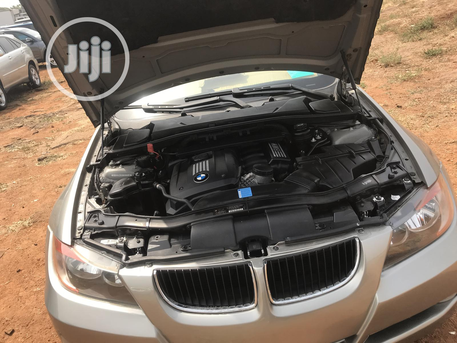 Archive: BMW 328i 2008 Gold
