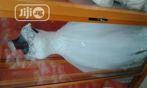 Neatly Used Wedding Gown for Sell | Wedding Wear & Accessories for sale in Lagos State, Kosofe