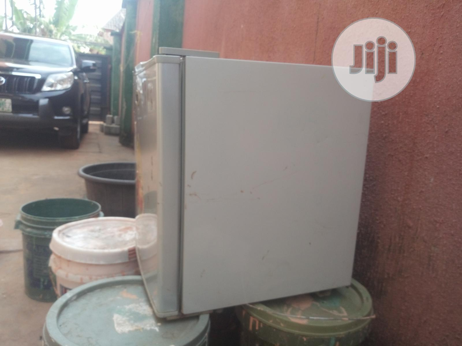 Archive: Mini Table Top Fridge