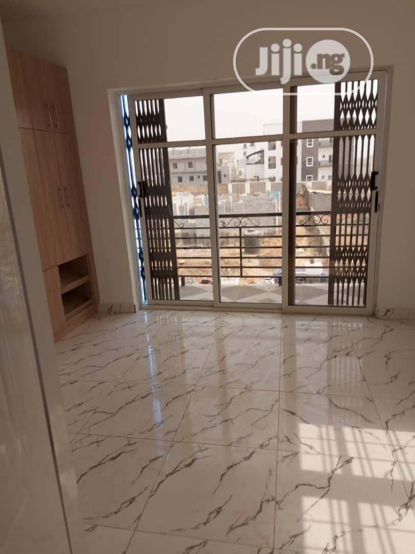 Archive: 6 Bedroom With a Pent House FOR SALE