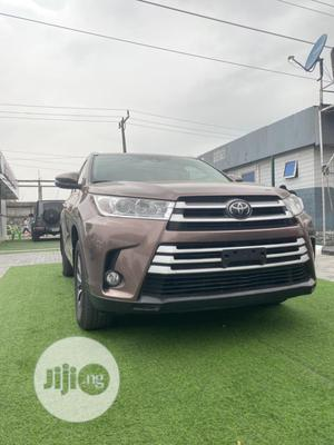 Toyota Highlander 2017 XLE 4x4 V6 (3.5L 6cyl 8A) Brown   Cars for sale in Lagos State, Lekki