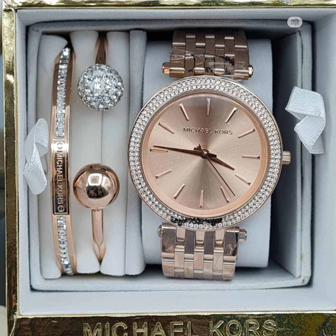 High Quality Michael Kors Gold Silver Dial Stainless Steel | Watches for sale in Magodo, Lagos State, Nigeria