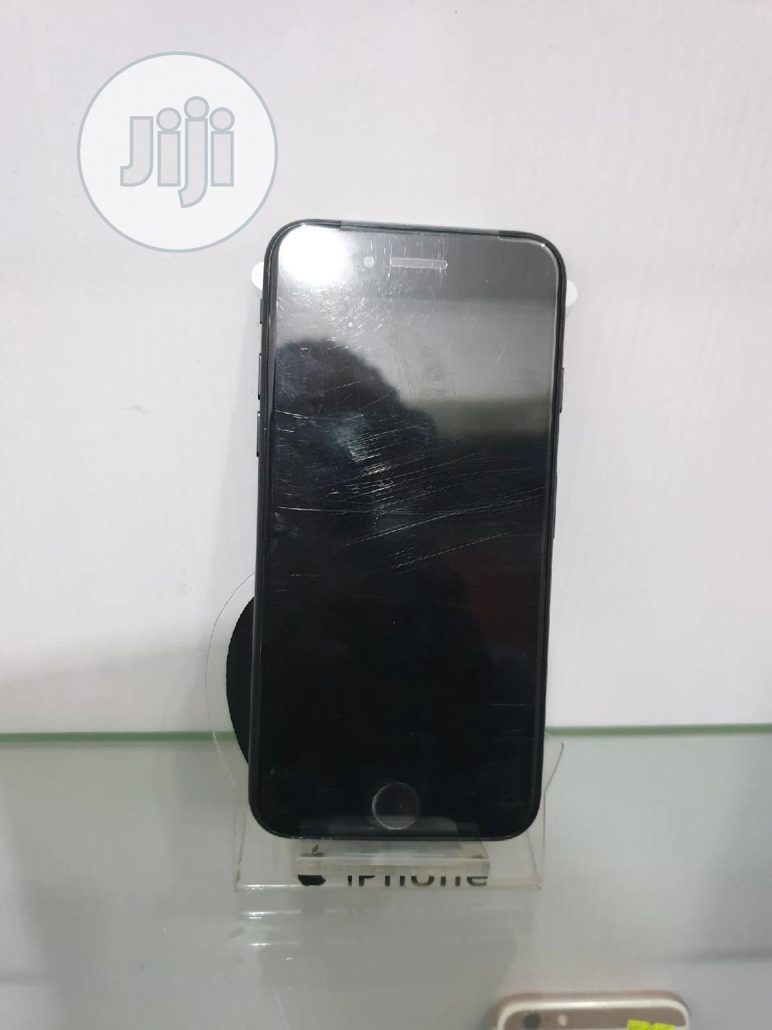Archive: Apple iPhone 7 128 GB Black