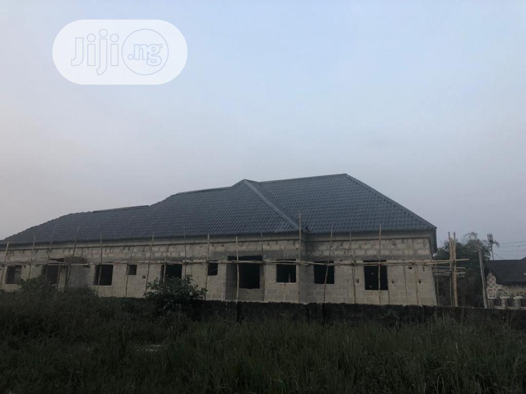 A Bungalow Unit Containing a 2bedroom Flat and 3selfcontain   Houses & Apartments For Sale for sale in Warri, Delta State, Nigeria