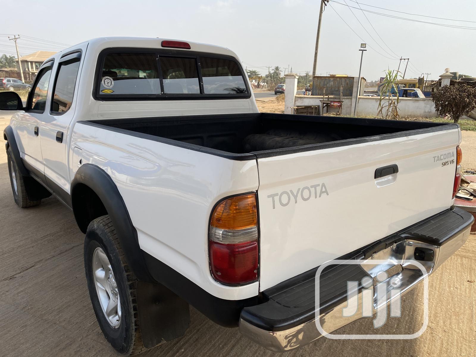 Archive: Toyota Tacoma 2001 White