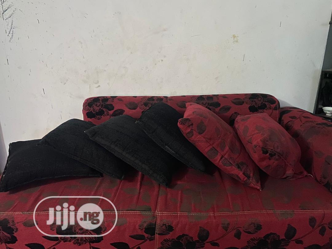 Archive: 3 Seater Couch With 6 Throw Pillows